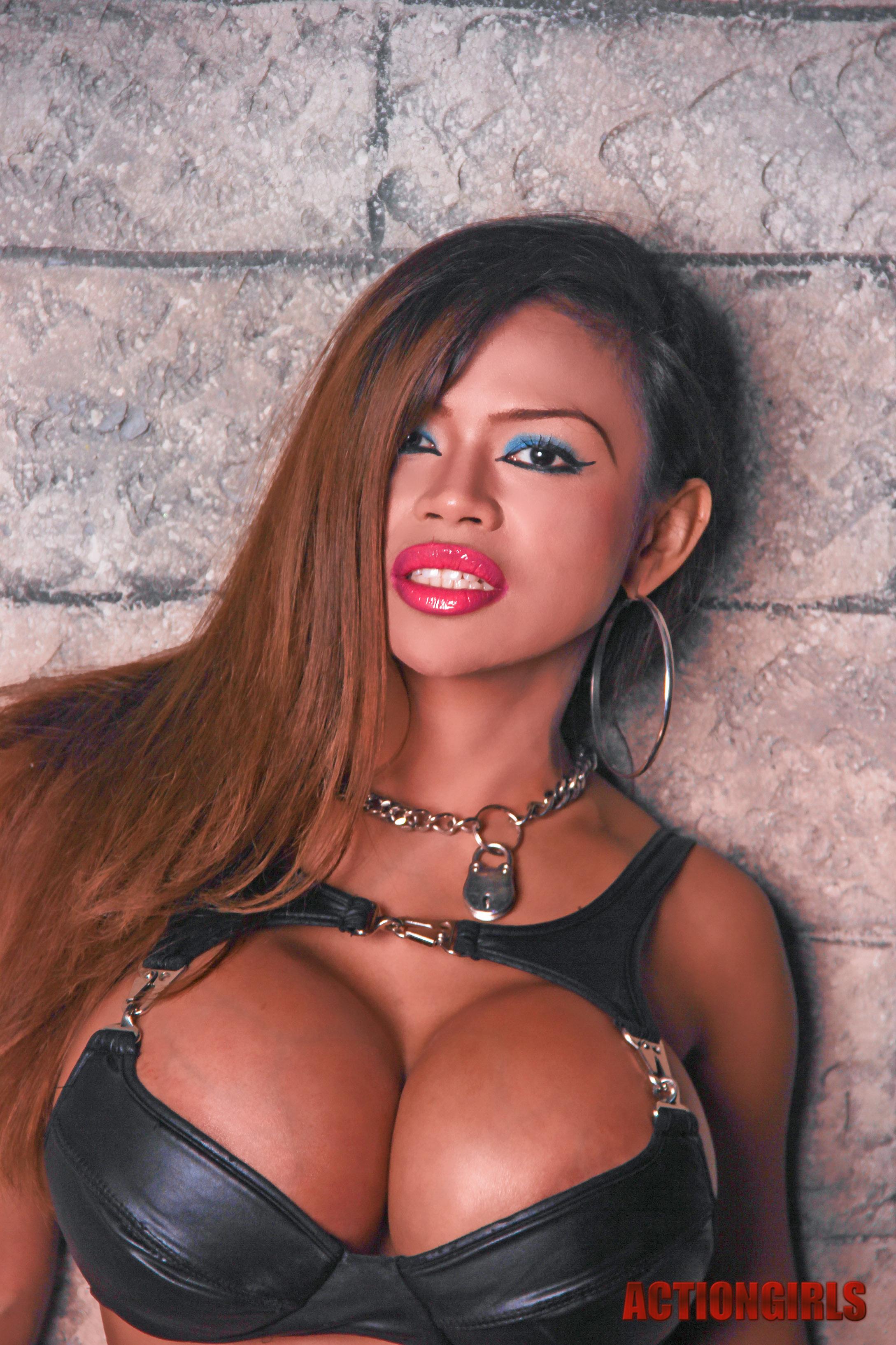 Free ebony fake tits big black boobs